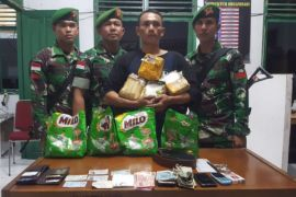 The smuggling of 4.2 kilograms of shabu-shabu was thwarted by the Satgas Pamtas