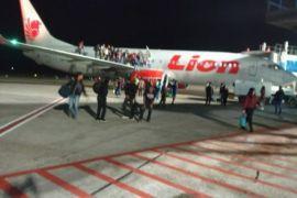 Polisi masih periksa mahasiswa yang teriak bom di pesawat