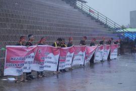 Peserta Pekan Gawai Dayak Deklarasi anti teroris