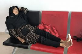 Seorang penumpang protes karena dirugikan oleh wings air