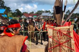 Pesan Pangdam Tanjungpura saat penutupan TMMD di Noyan