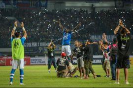 Persib kalahkan Persipura 2-0