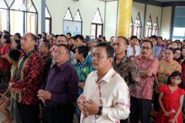 Bupati Rupinus hadir bersama ribuan umat Katolik Paroki Monumental