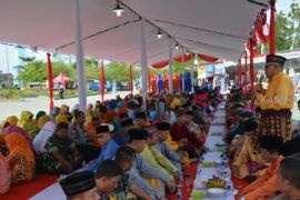 Saprahan, upaya pelestarian budaya Pemkab Kubu Raya