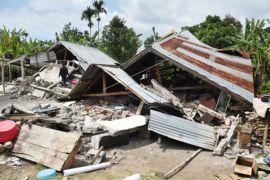 Rumah warga rusak dilanda angin kencang