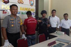 Polres Sanggau tangkap warga Pasaman terkait narkoba