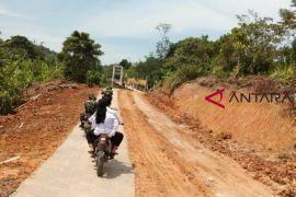 Bupati Landak minta pemdes tingkatkan infrastruktur