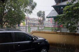 Curah hujan di Kalbar masih rendah