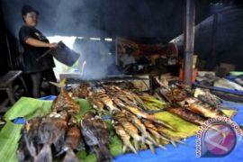 Kawasan wisata kuliner ikan di Manado