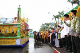 Ribuan umat muslim Pontianak ikuti Pawai Akbar