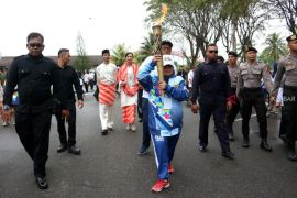 Torch of Asian Para Games 2018 arrives in Pontianak