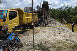 Polres Kapuas Hulu lakukan police line galian C
