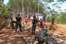 TMMD bangun jalan Desa Tanjung Kecamatan Teriak