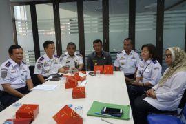 Kayong Utara koordinasi dengan Kemenhub terkait kelaikan bandara