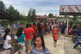 Warga Katolik Sungai Ayak ikut Misa Arwah