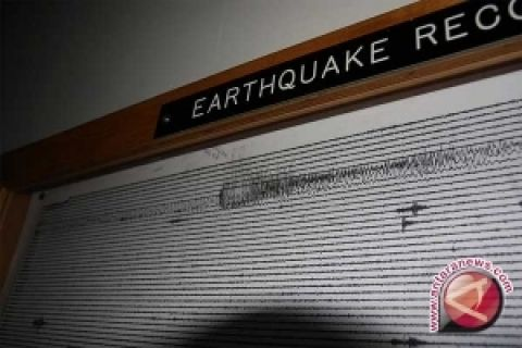 SAR simulasi evakuasi penanganan gempa bumi