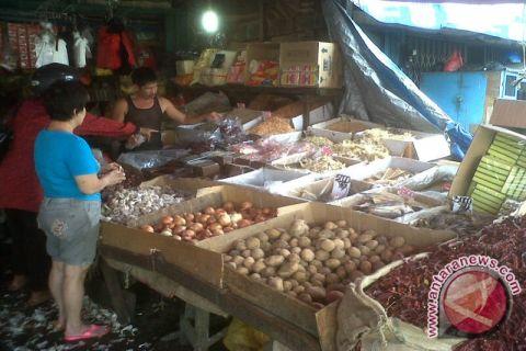 Ibu rumah tangga di Pontianak keluhkan kenaikan harga sembako