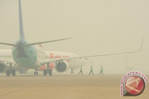 Kabut asap ganggu penerbangan pagi Bandara Supadio