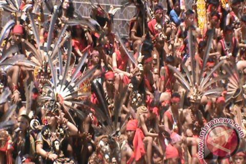600 warga Dayak Malaysia ikut gawai di Pontianak