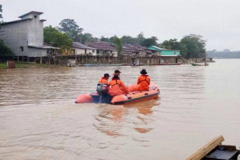 SAR Pontianak lakukan pencarian warga tenggelam di sungai