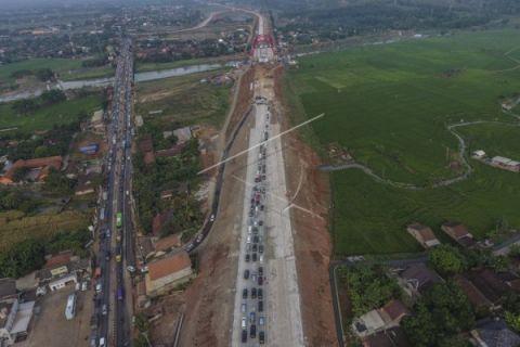 Kemacetan di jalur tol