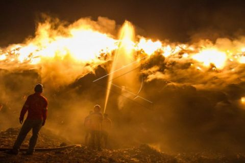 Kebakaran di TPA Solo