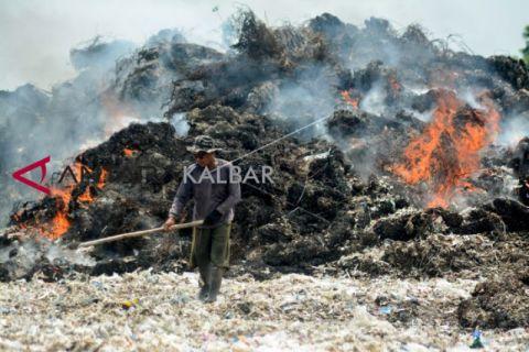 Sampah plastik cemari lingkungan