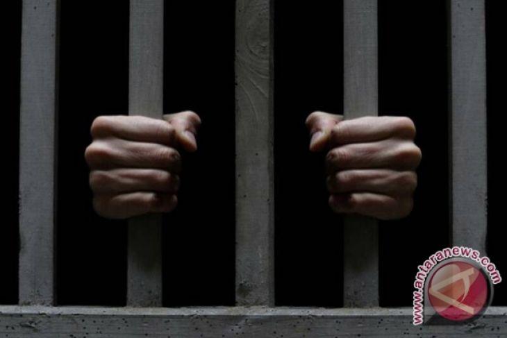 Lima Pemuda Diamankan Karena Konsumsi Miras