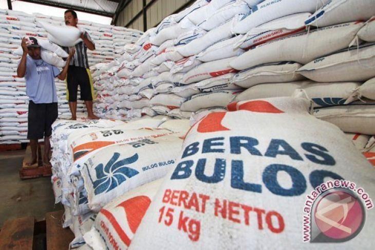 Legislator : kebijakan impor beras tak tepat waktu