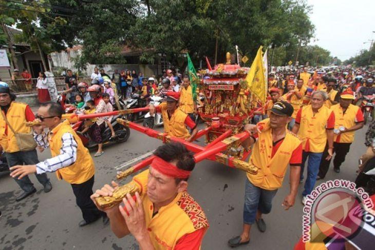 Ratusa TNI - Polri Amankan CGM di Putussibau