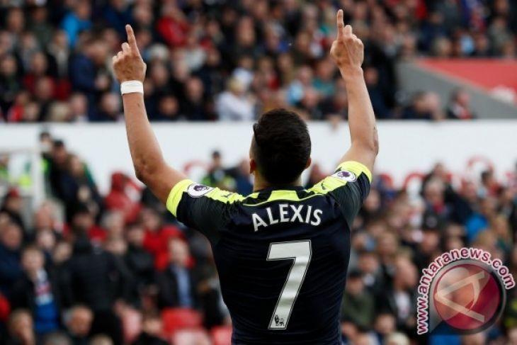 Arsenal di ambang empat besar usai benamkan Stoke 4-1