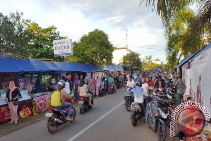 Kedai Ramadhan di Ketapang Dipadati Warga