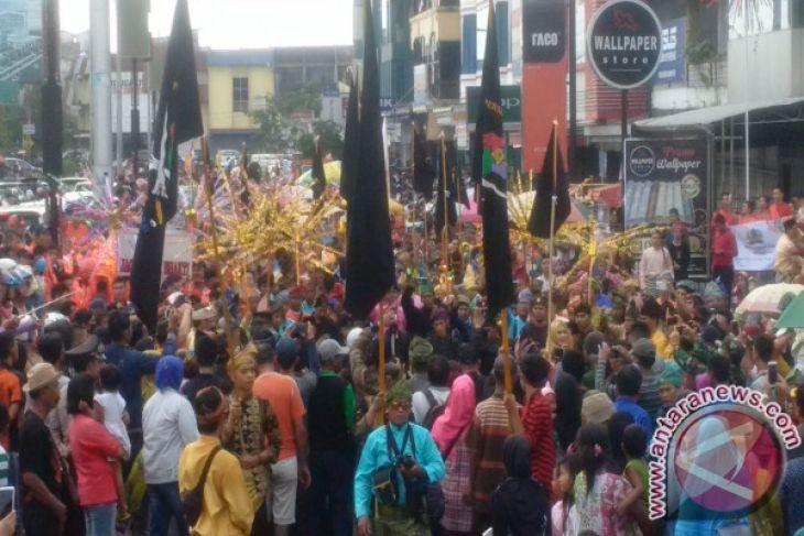 Ribuan Peserta Kirab Budaya Meriahkan HUT Kota Pontianak Ke-246
