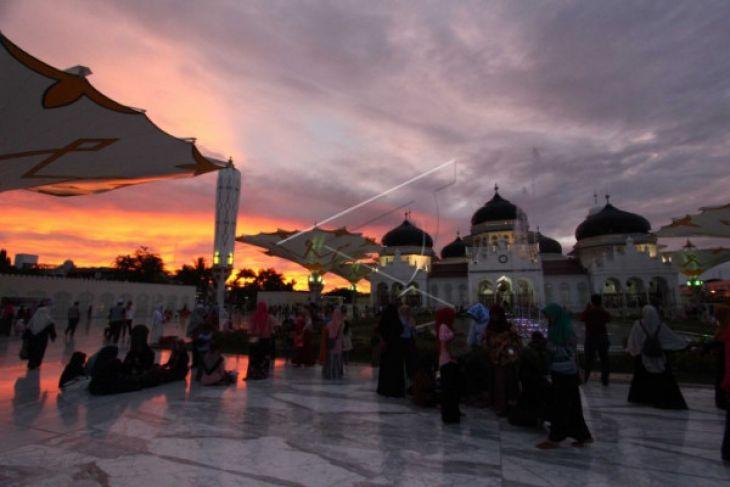 Wisata Religi Masjid Raya Baiturrahman
