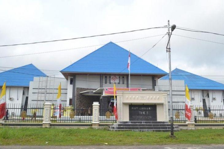 Ketua DPRD Kapuas Hulu Mengundurkan diri