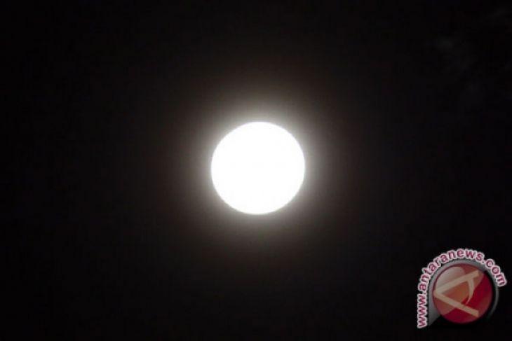 Super Moon terjadi 3 Desember malam