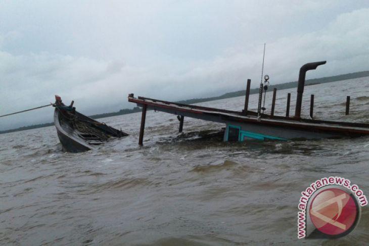 Posmat Muara Kubu bantu evakuasi KM Sinar Kakap