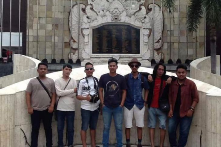 Band Ex Sample masuk final festival band se-Indonesia