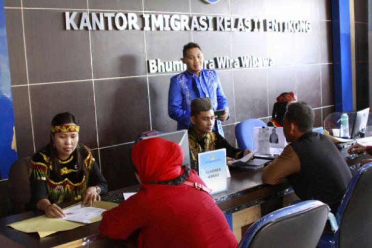 Imigrasi Entikong gandeng PT Pos tingkatkan pelayanan