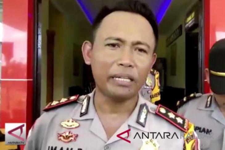 Pengecekan pos lebaran di perbatasan Indonesia - Malaysia
