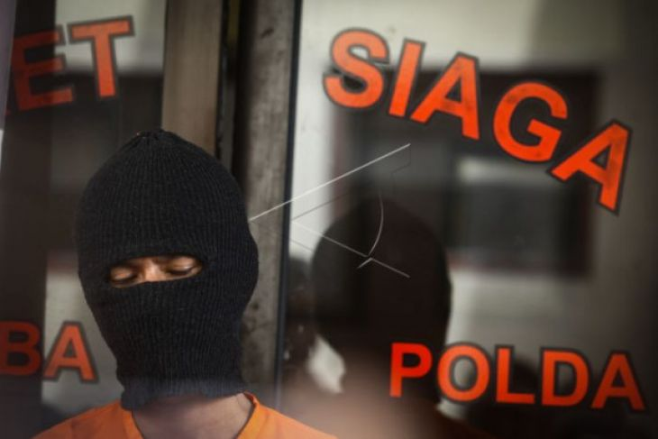 Tindak tegas Polisi terlibat narkoba