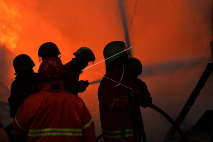 Kebakaran terjadi di Sungai Ayak