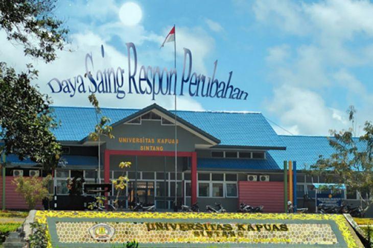 Mahasiswa Sintang baksos di perbatasan Kalbar-Kalteng