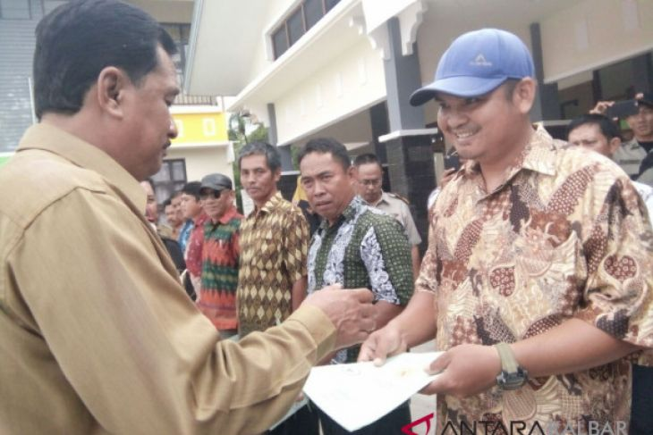 Commercial market inaugurated at Indonesia-Malaysia border