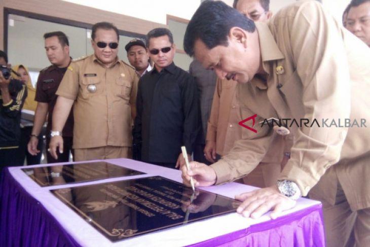Nasir resmikan Pasar Niaga perbatasan Indonesia - Malaysia