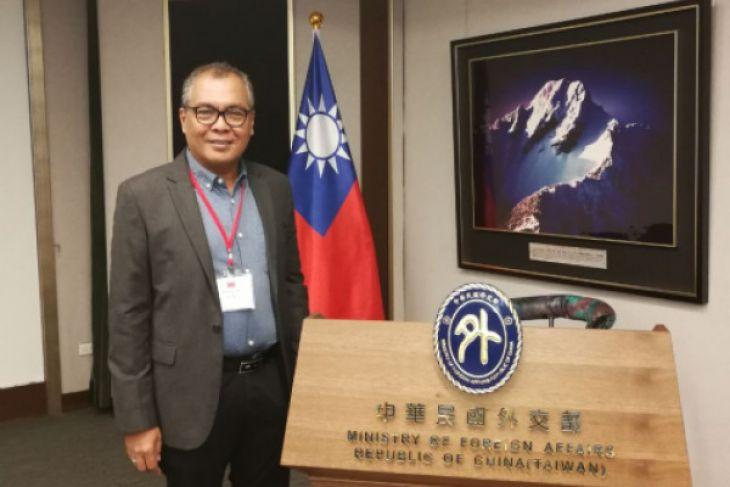 Akhmad Munir, Direktur Pemberitaan LKBN Antara asal Jatim