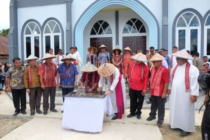 Gereja Katolik Kemuliaan Tuhan Balai Sepuak diresmikan