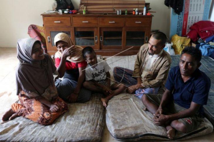 Suku Rohingya yang terdampar