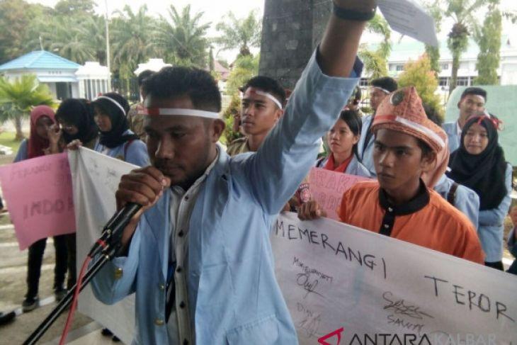 Mahasiswa perbatasan siap melawan teroris