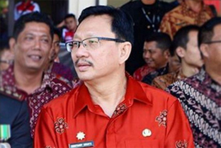 Christiandy Sanjaya serahkan dukungan 3.000 KTP Elektronik ke KPU Kalbar